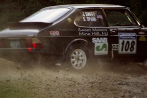 Jerry Sweet / Stuart Spark SAAB 99EMS at a hairpin on SS3, Grafton I.