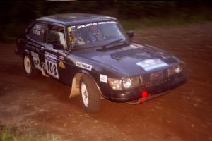 Jerry Sweet / Stuart Spark SAAB 99EMS at a hairpin on SS4, Grafton II.