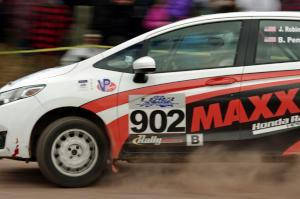 James Robinson / Brian Penza Honda Fit comes through the SS1 (Green Acres I) spectator area.