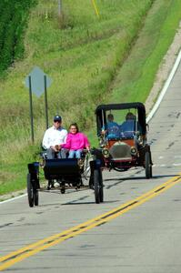 Dave Shadduck's 1902 Oldsmobile and Mark Desch's 1905 Stevens Duryea R