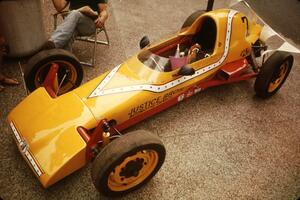Steve Thomson's Lynx B Formula Vee on display on the Nicollet Mall days before the races.