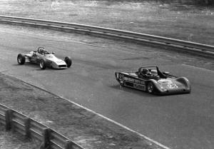 David Ross's Lola T-592S Sports 2000 leads Jim Harayda's Lola T-640 Formula Ford through turn 9.