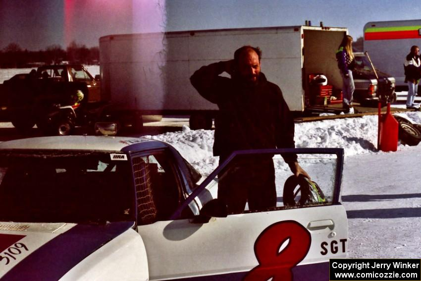 ??? ran the Steve Kuehl / Brian Hennen Mazda RX-7 in the Solo Sprint race