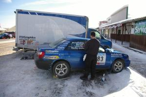 Mark Utecht / Rob Bohn	Subaru WRX gets cleaned prior to the start of the rally.