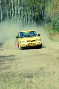 Sam Bryan / Rob Walden blast their SAAB 900 Turbo away from the start of Menge Creek I.